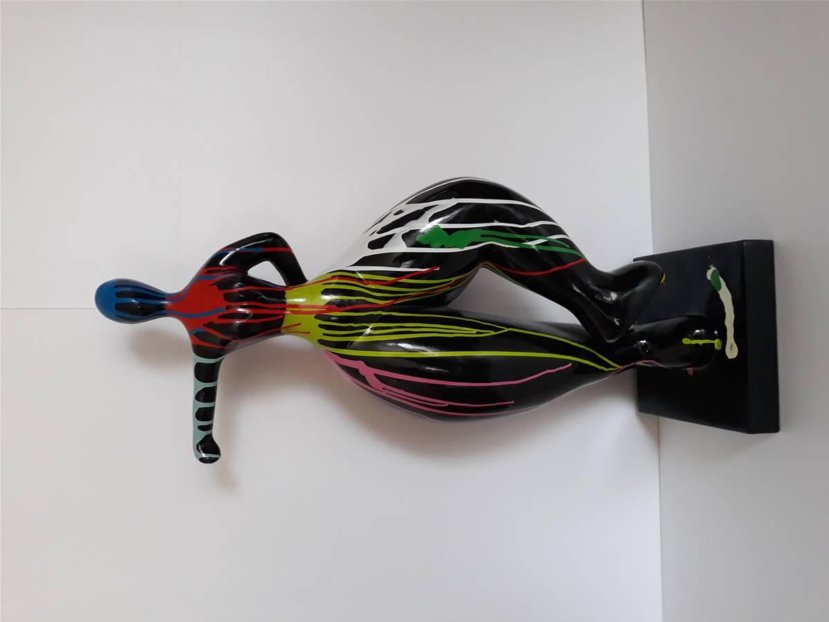 Sculpture Femme Ronde Colorée sculpture femme danseuse design nana en résine h-85cm